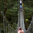 Подвесные мосты в парке Мундо Авентура