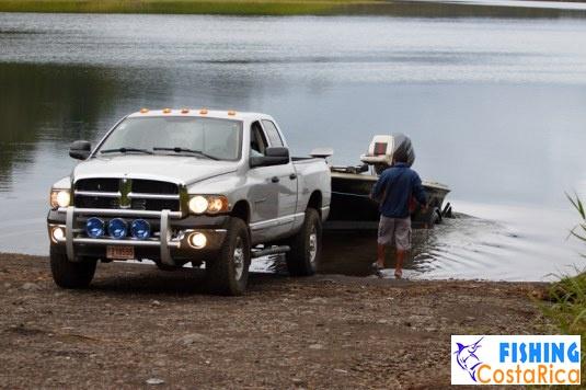 Рыбалка на озере Аренал 0